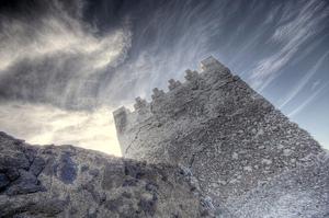 Extranoise_pub_castle_tower